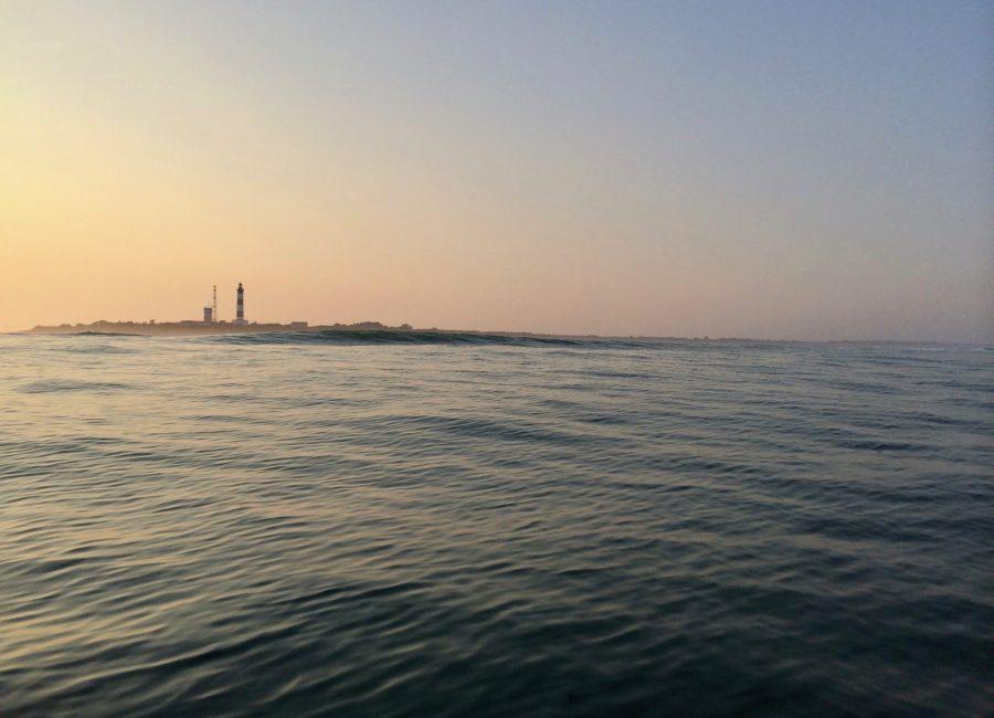 Horizon avec phare de l'Île de Ré